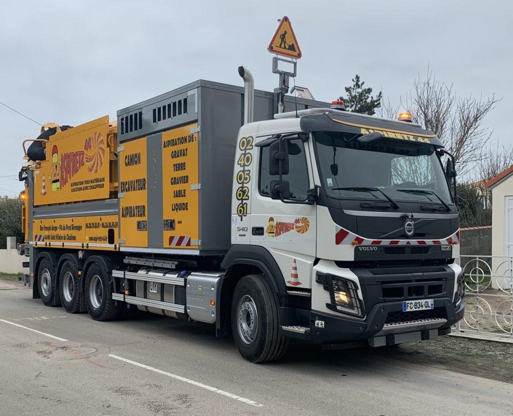 camion-excavateur-aspirateur-aspiretz-loire-atlantique-44
